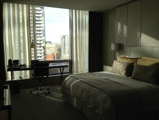 Four Seasons Hotel Toronto : My room