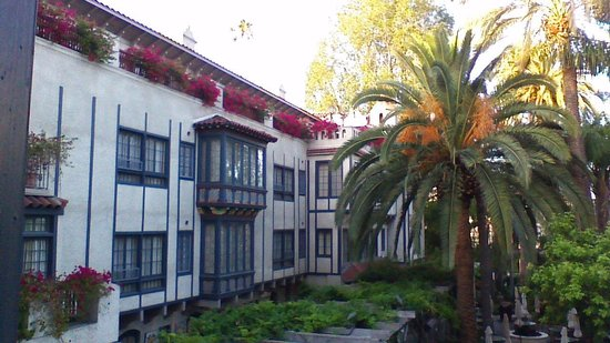 The Mission Inn Hotel and Spa: inside the court yard