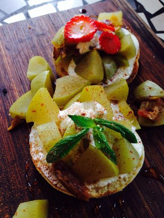 Grunge Cafe: Date My Granny. 