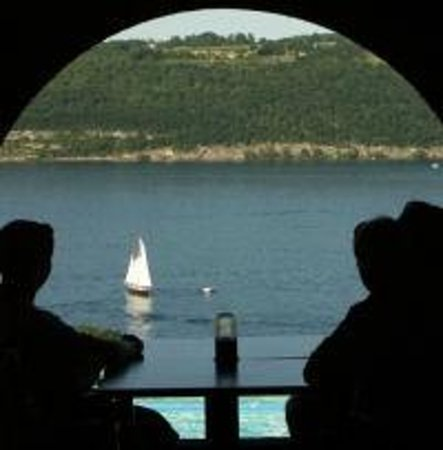 Montage Italian Grill: Watching the boats from the Lounge