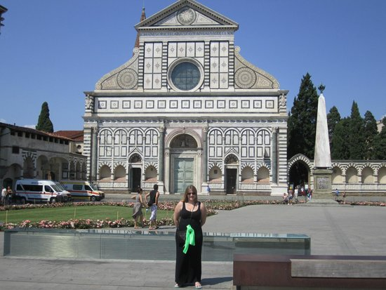 Santa Maria Novella Hotel : The piazza that the hotel is in