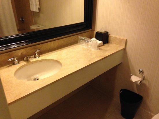 Sheraton Gateway Los Angeles: Hotel room