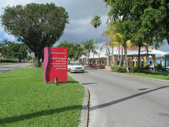 Grand Lucayan, Bahamas: short walk to the market