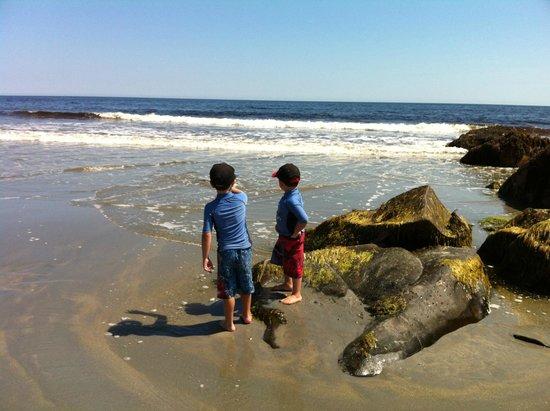White Point Beach Resort: The boys being explorers