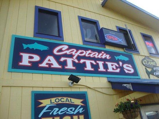 Land's End Resort : Captain Pattie's.