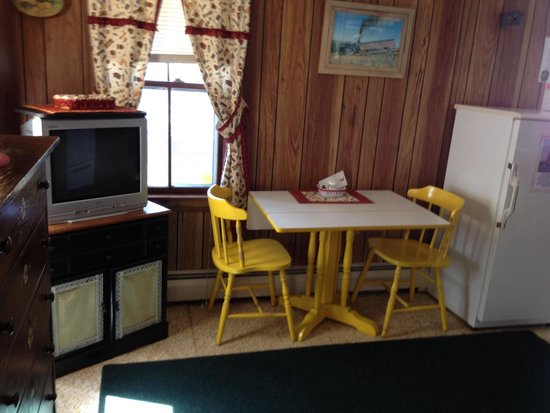 Johnson's Motel and Cottages: .
