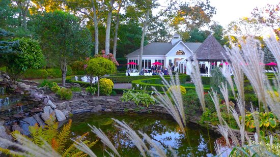 The Inn at East Wind: Landscaping at East Wind Long Island