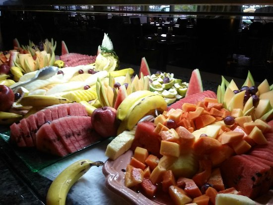 Hard Rock Hotel & Casino Punta Cana: There is fruit at most of the restaurants