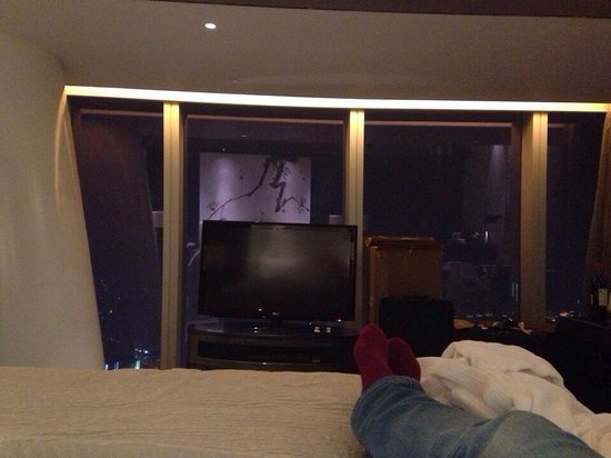 Four Seasons Hotel Guangzhou: Super comfy king bed at 9409