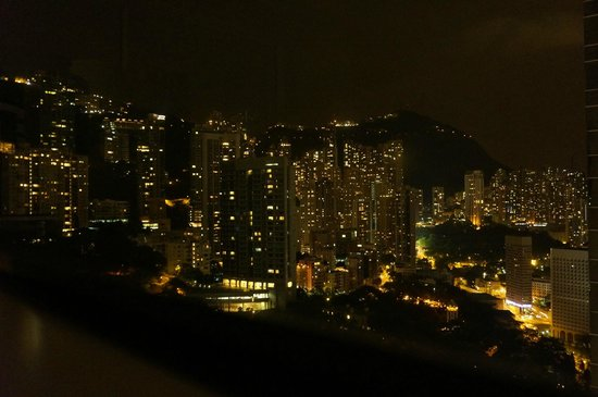 Conrad Hong Kong : Night view of peak