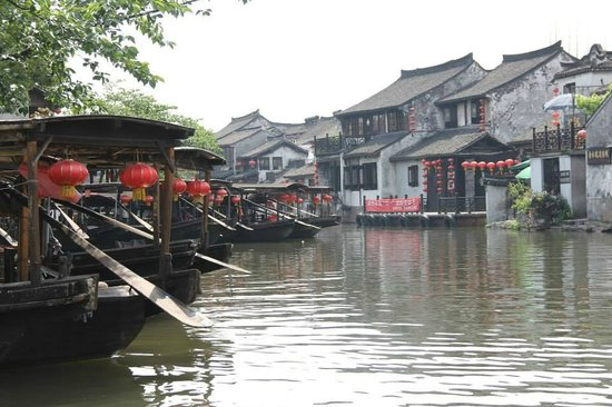 Xitang Ancient Town: Boat rides - Included in the entry fee