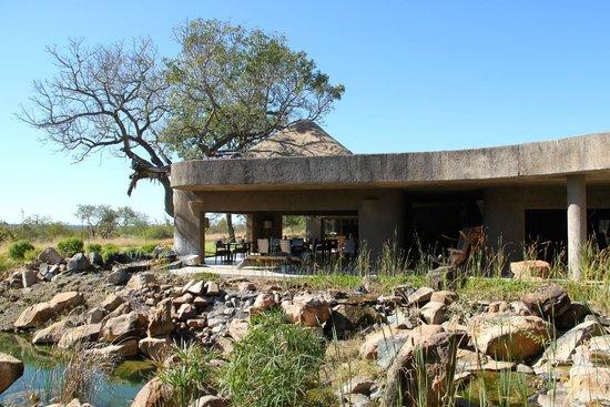 Sabi Sabi Earth Lodge: Breakfast/Lunch area