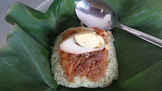 POP! Hotel Tebet Jakarta : morning bite: nasi dan teh susu