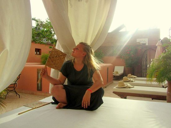 chilling out at the roof of Riad Quara:)