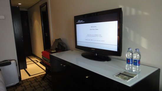 Fairmont Heliopolis: Flat screen tv