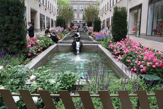 Rockefeller Center: Beuatiful gardens