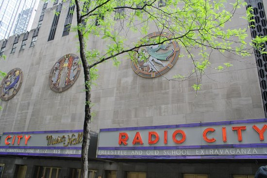 Rockefeller Center: Radio City Hall