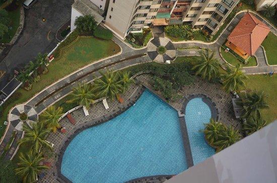 Aston Rasuna : the Hotel pool