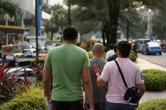 Aston Rasuna : just a walk outside the hotel to a near mall.. Starbucks,Mcdonalds