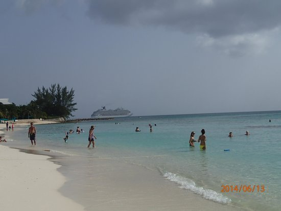 Grand Cayman Marriott Beach Resort : The Beach