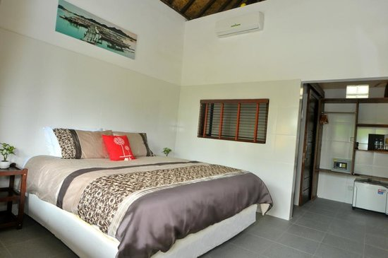 Pantai South Lombok Villas