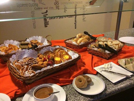 Novotel Monterrey Valle: Bakery at Novotel
