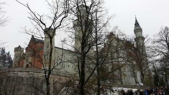 Castillo de Neuschwanstein: Entering the castle