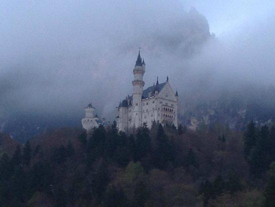 Castillo de Neuschwanstein: view from the hotel