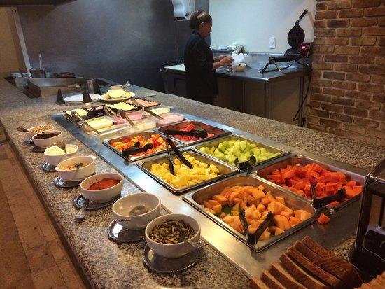 Novotel Monterrey Valle: Breakfast buffet