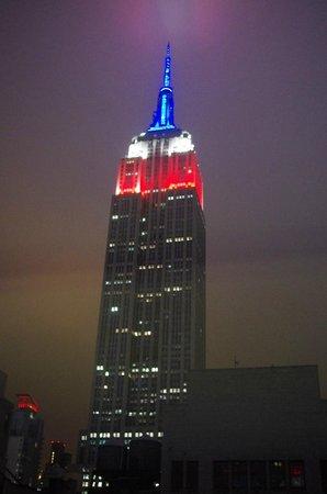 SpringHill Suites New York Midtown Manhattan/Fifth Avenue: Kvällsutsikt från rummet. Empire State Building
