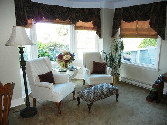 Manor Guest House Bed And Breakfast Vancouver