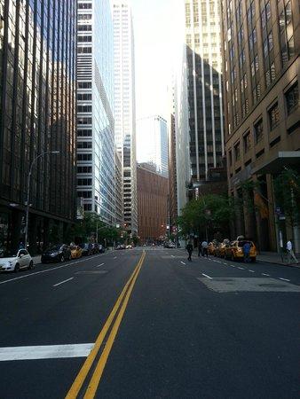 Andaz Wall Street: Outside hotel on Water Street