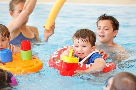 Kinderhotel Rudolfshof Vitality: Kinder im Pool