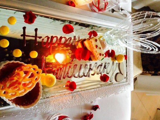 Café des Artistes: Wedding anniversary dessert