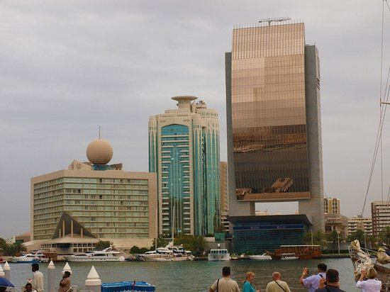 Sheraton Dubai Creek Hotel & Towers: Hotel from the boat