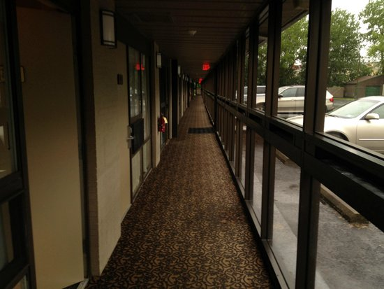 Best Western Gateway Adirondack Inn : hallway infront of room 314
