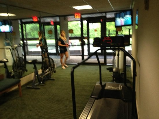 Best Western Gateway Adirondack Inn : exercise room needs a little updating
