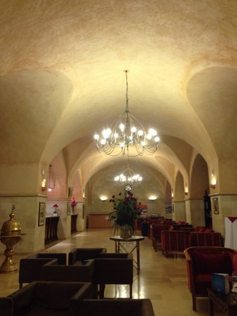 Hotel Diar Lemdina : Reception area (only place to access wifi)