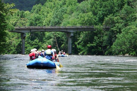 Raft Outdoor Adventures: Paddling towards the rapids