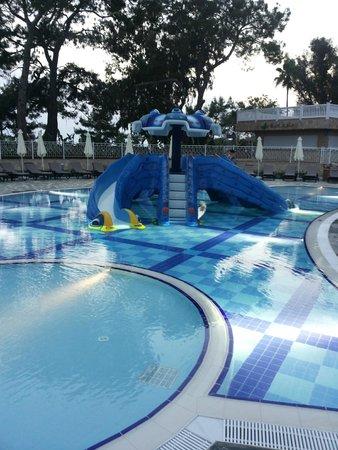 Rubi Platinum Spa Resort & Suites: kids pool