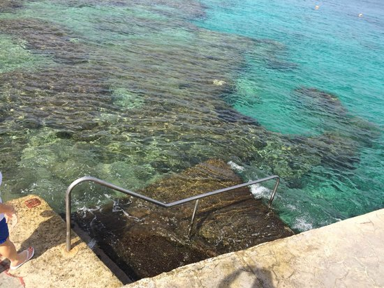Cozumel Palace: Entrance to ocean-snorkeling and towels available