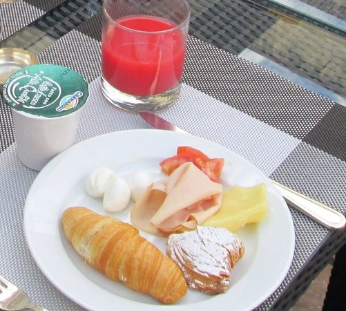 Palazzo Turchini: Delicious breakfast. This is not all, just a part of ghe buffet