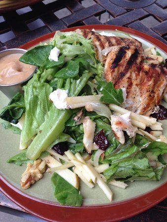 The Green Well: Michigan Harvest Salad