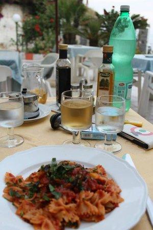 Hotel Villa Bina: Farfalle all'ortolana