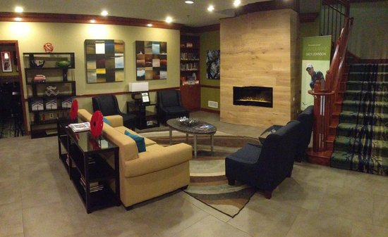 Country Inn & Suites By Carlson, Washington Dulles International Airport : Lobby was newly renovated. Looks nice