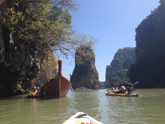 Two Sea Tour: canoeing around the islands