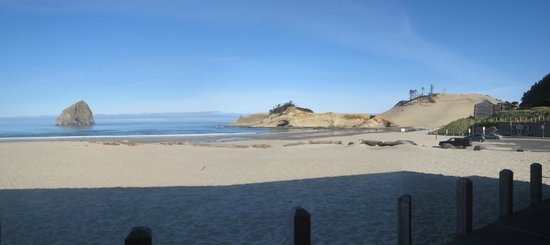 Inn At Cape Kiwanda: the beach and the dune