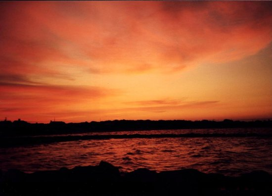 Green Harbor on the Ocean : sunrise over lewis bay