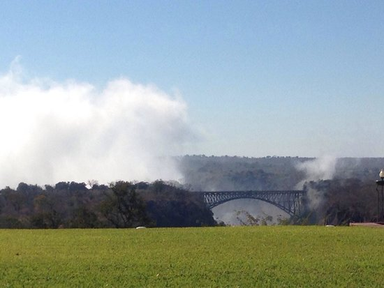 The Victoria Falls Hotel: View from Stanley Terrace - clear image of the smoke that thunders