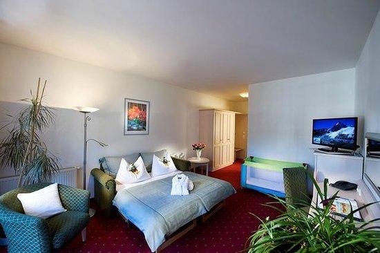 Kinderhotel Rudolfshof Vitality: Rudis Adler Suite Wohnzimmer